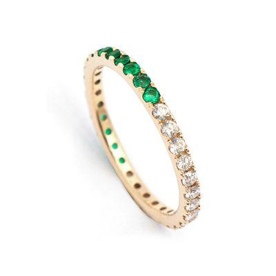 Aliança half and half em ouro com diamantes e esmeraldas