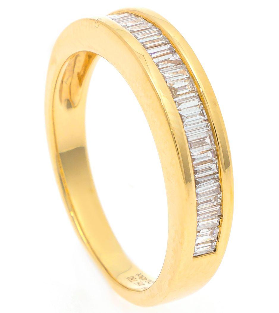 Meia aliança em ouro com diamantes