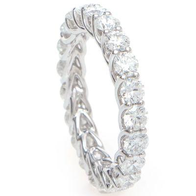 Aliança inteira em ouro com diamantes