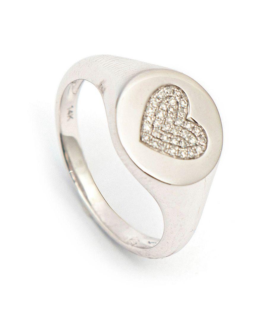 Anel-coracao-em-ouro-e-diamantes