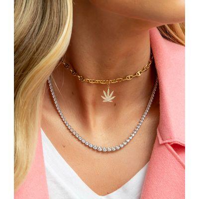 Marijuana-charm-em-ouro-com-diamantes