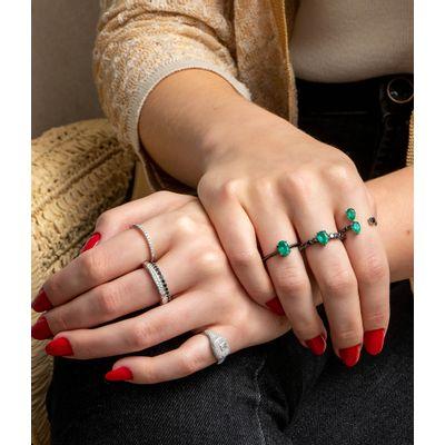 Anel-aberto-em-ouro-com-diamantes-e-esmeraldas