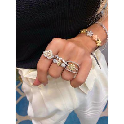 Anel-solitario-coracao-em-ouro-com-diamantes