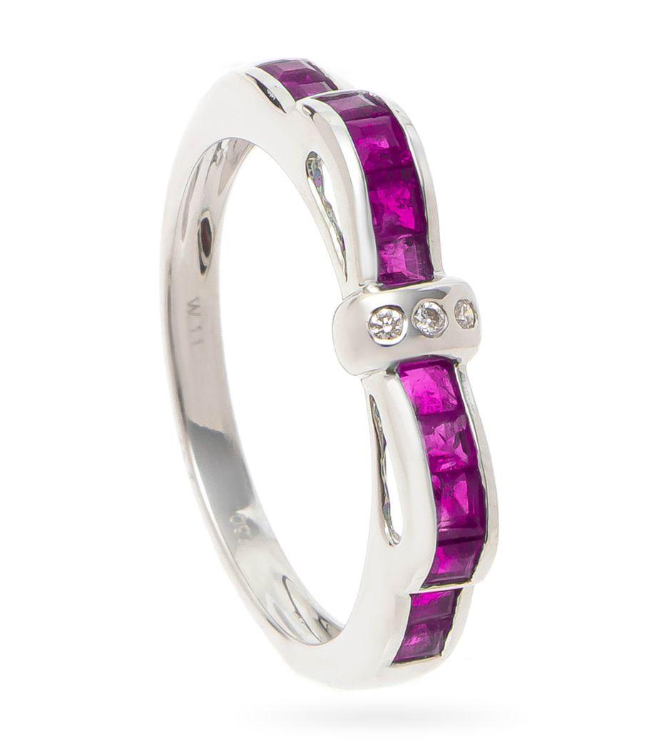 Anel-de-ouro-com-rubis-e-diamantes-